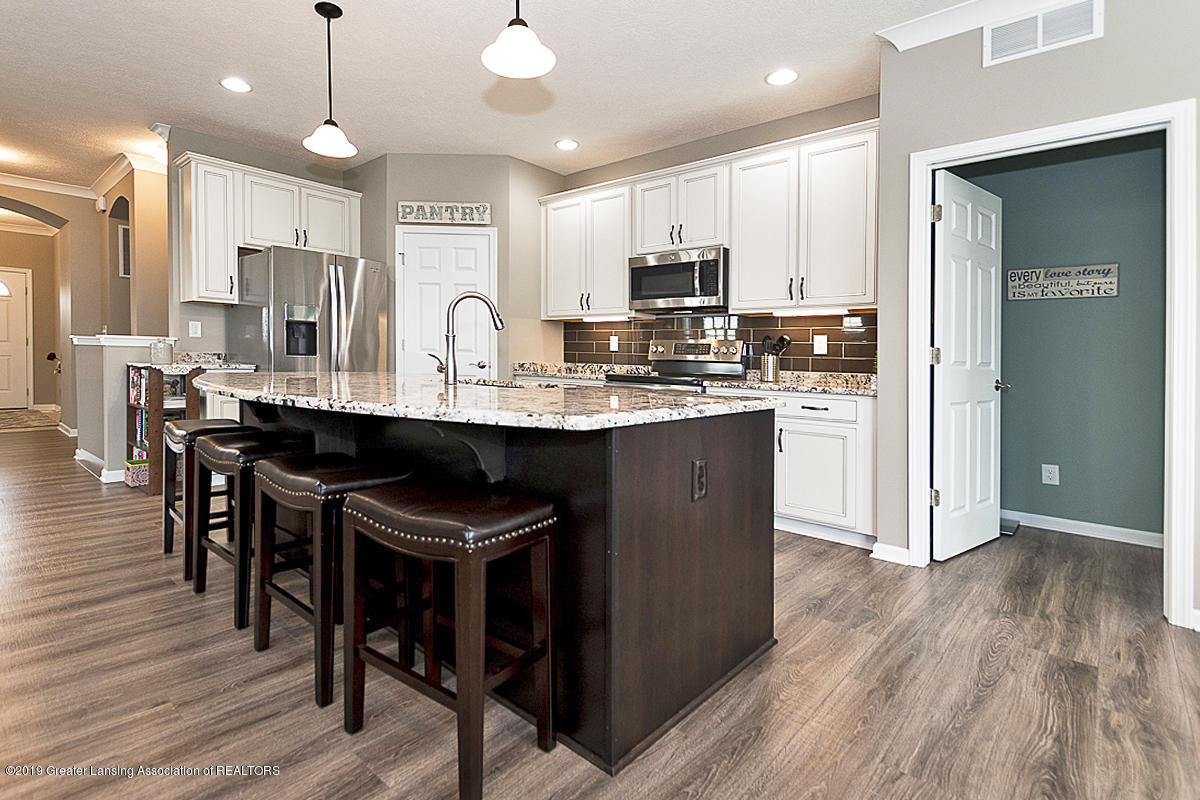 51 Harrogate Dr 51 - Dream kitchen, anyone? - 10
