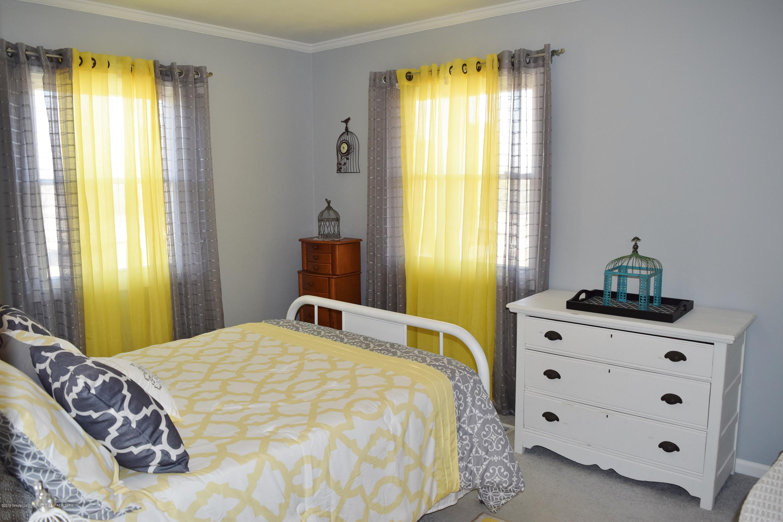 2817 N Gunnell Rd - Bedroom 2 - 4