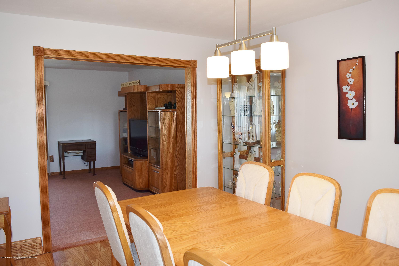 2817 N Gunnell Rd - Dining room - 12
