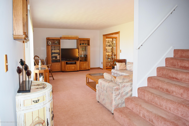 2817 N Gunnell Rd - Living Room - 13