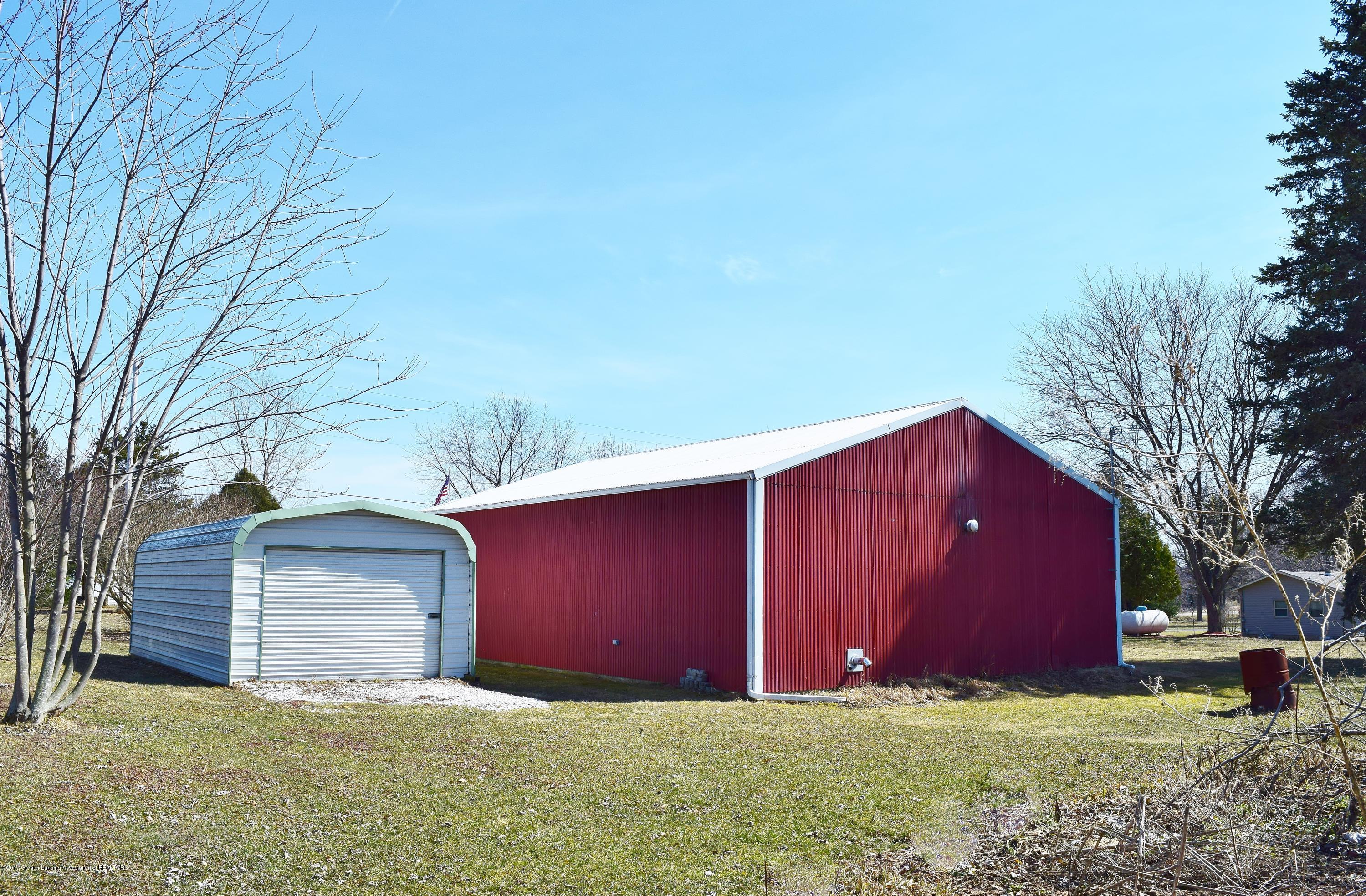 2817 N Gunnell Rd - Pole Barn - 18