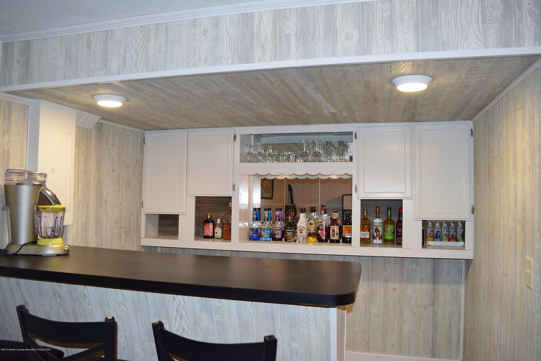 2817 N Gunnell Rd - Bar - 19