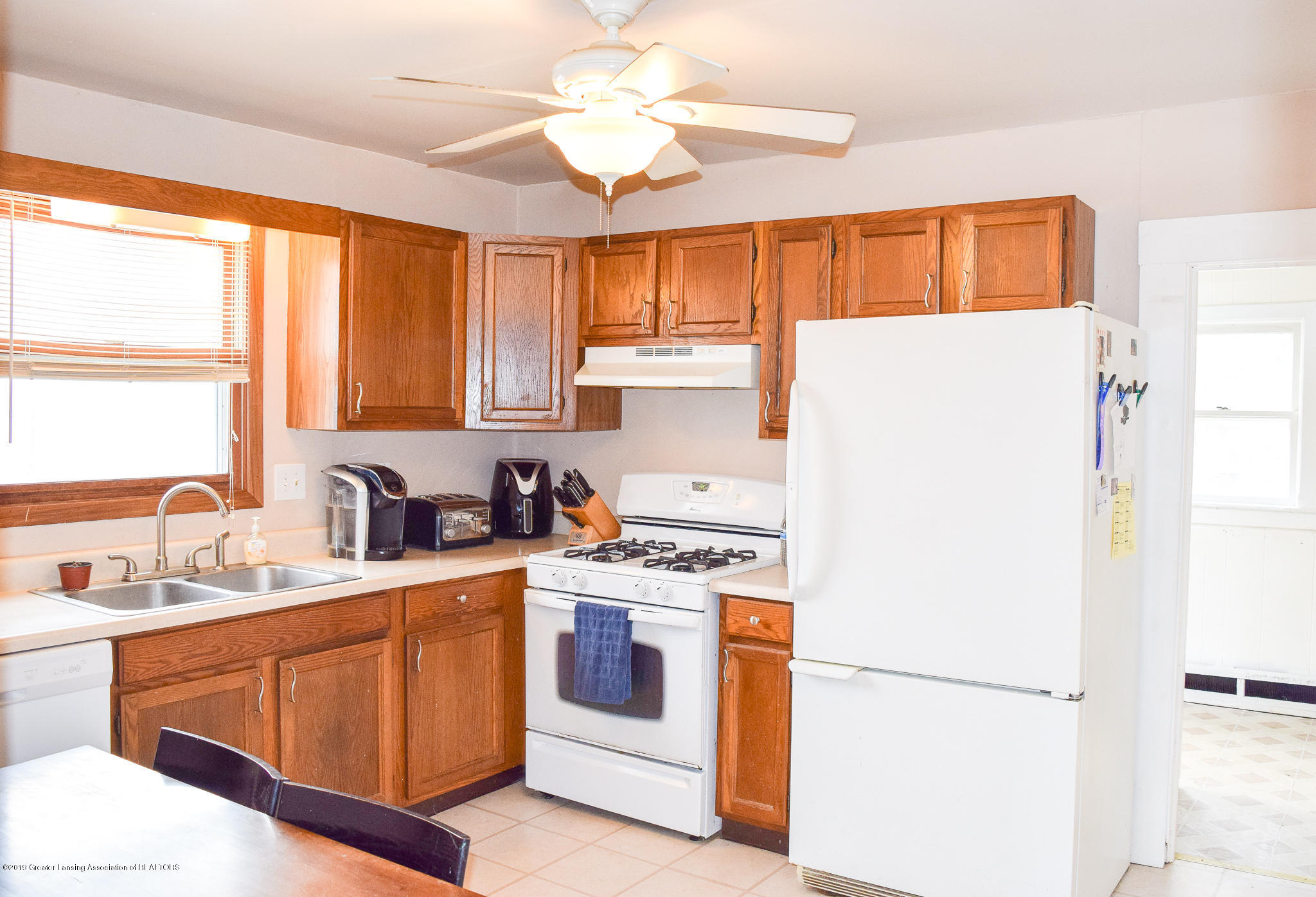 711 N Putnam St - Kitchen - 7