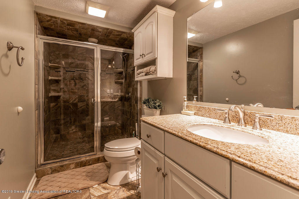 3300 Hollow Spring Dr - bathroom - 10
