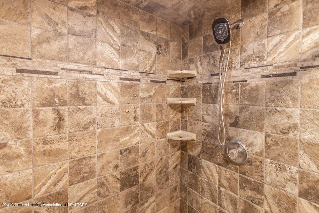3300 Hollow Spring Dr - bathroom - 11