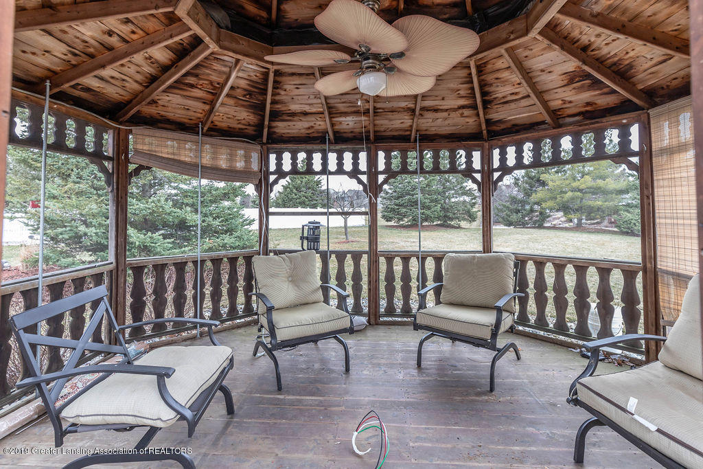 3300 Hollow Spring Dr - gazebo(1of1) - 12