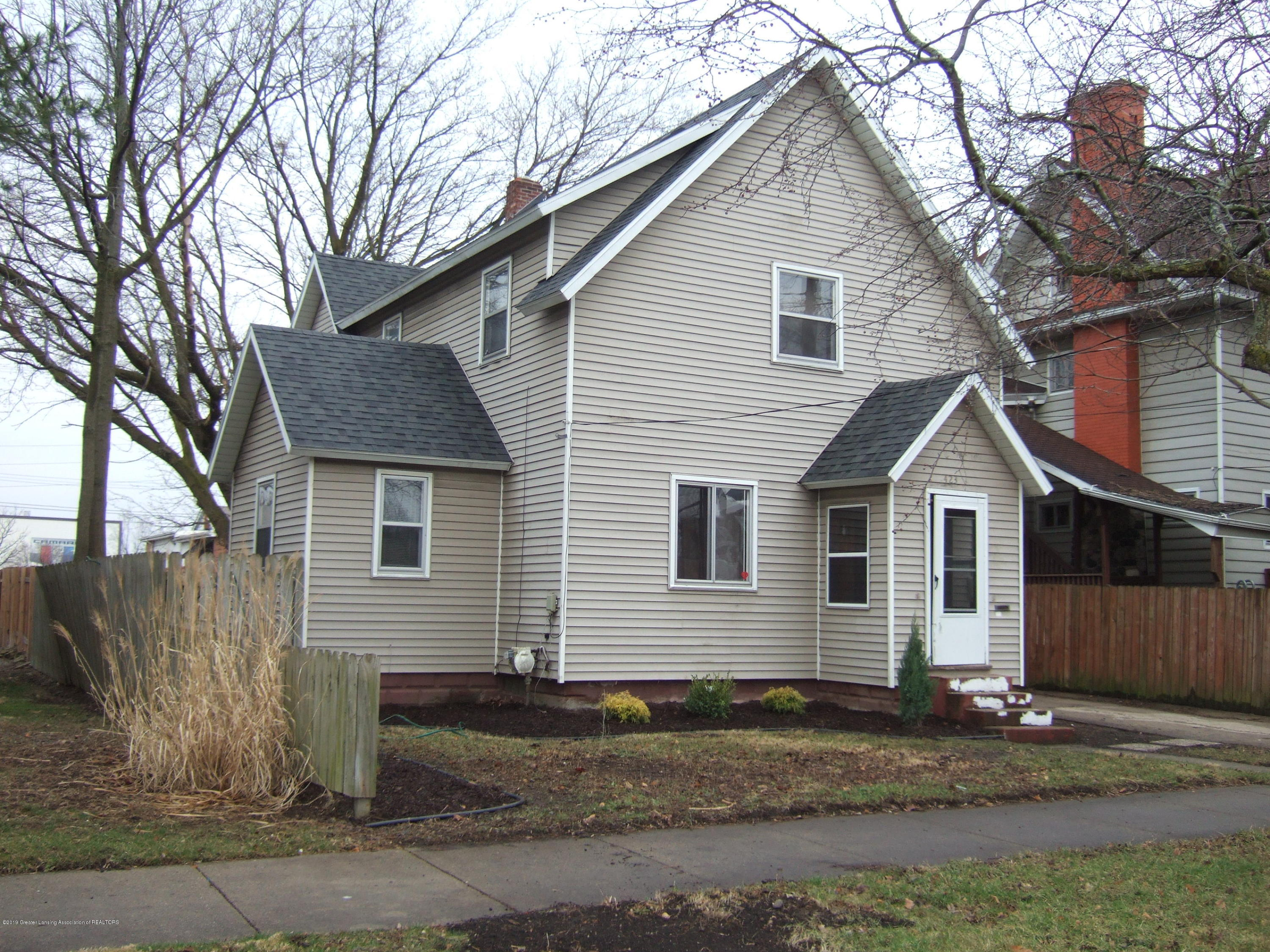 423 W Hillsdale St - Front View - 2