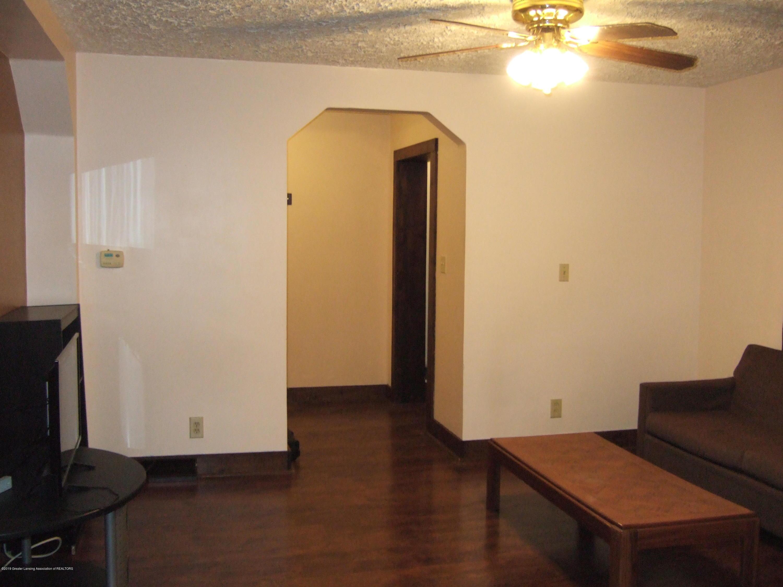 423 W Hillsdale St - Living Room - 5