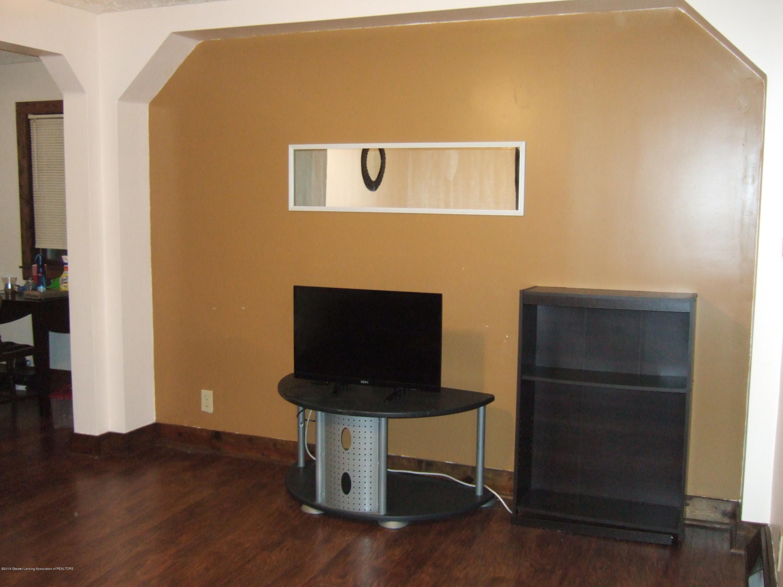 423 W Hillsdale St - Living Room - 7