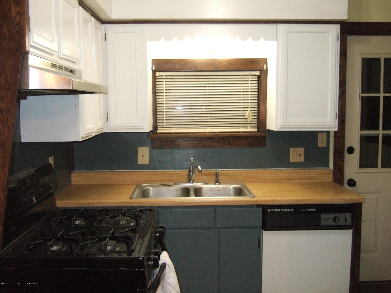 423 W Hillsdale St - Kitchen - 11