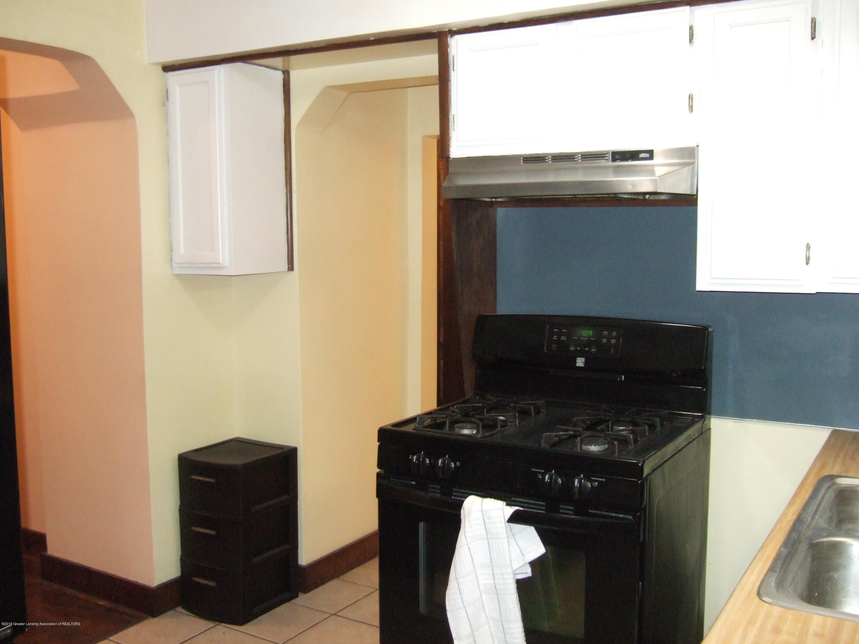 423 W Hillsdale St - Kitchen - 13