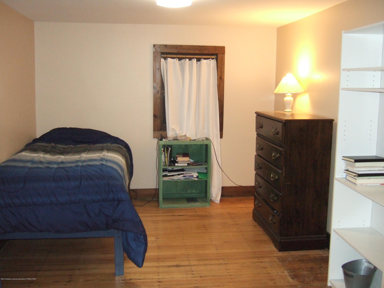423 W Hillsdale St - Master Bedroom - 20