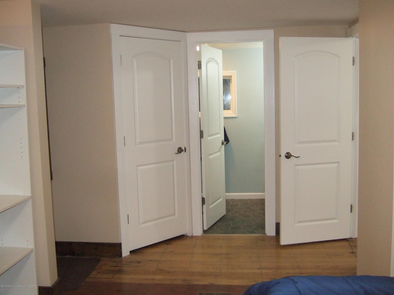 423 W Hillsdale St - Master Bedroom - 23