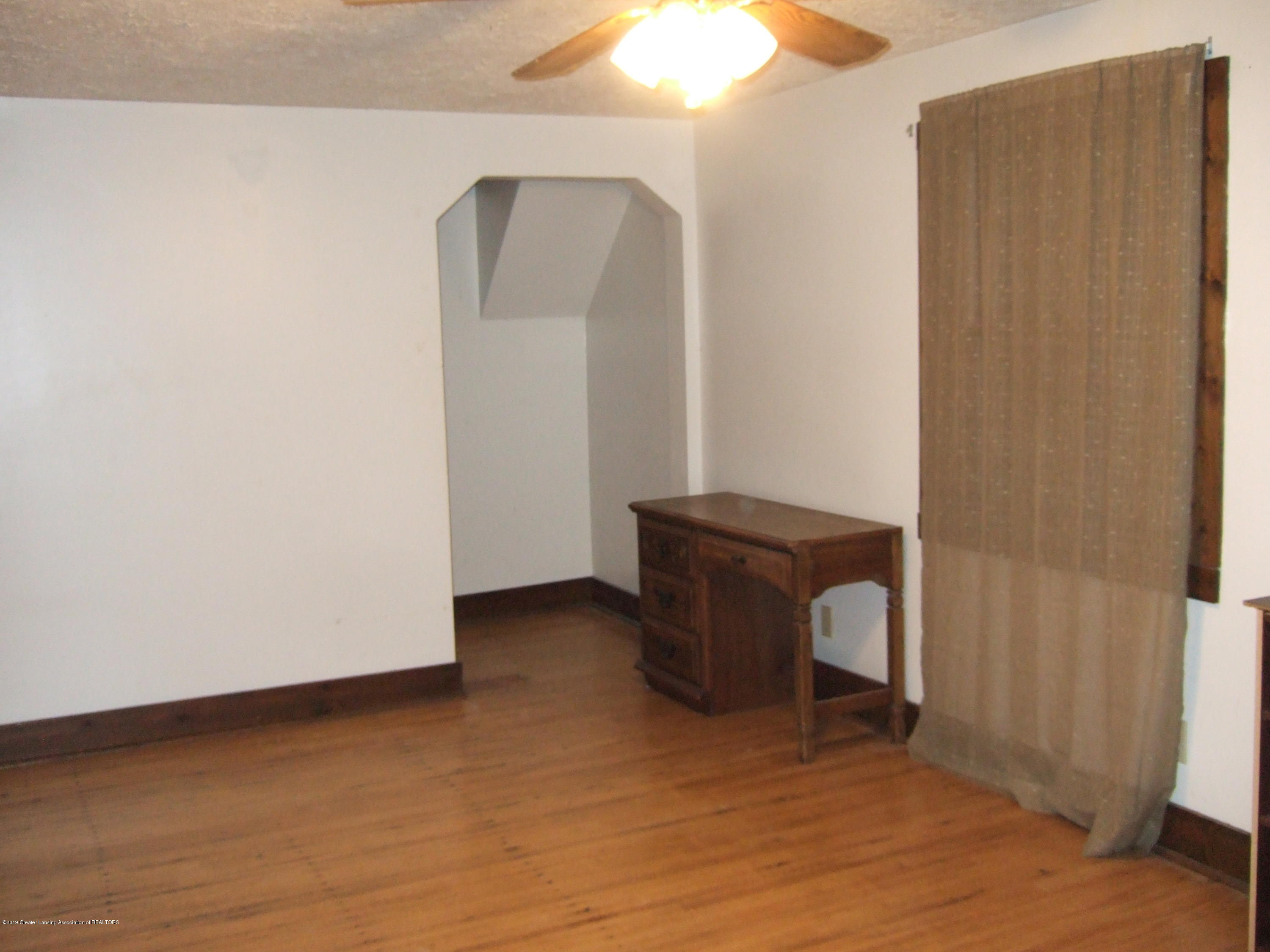 423 W Hillsdale St - 4th Bedroom - 32