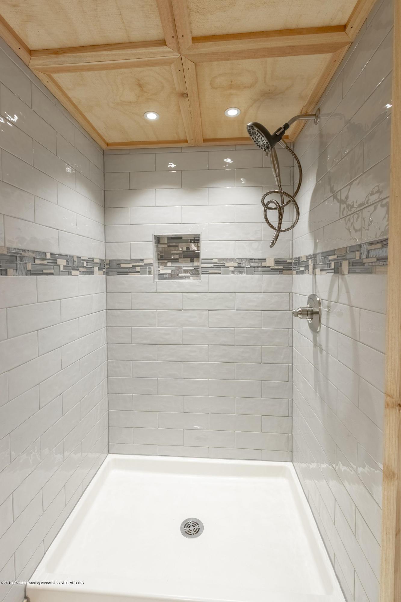 7200 Oak Hwy - 7200 OAK HWY 3RD BATH SHOWER - 36