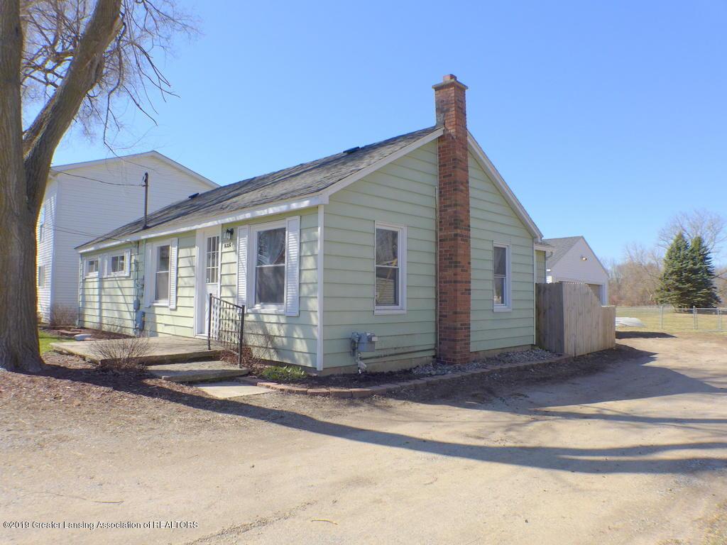 16856 N Cedar St - Ranch with 2 car garage - 1