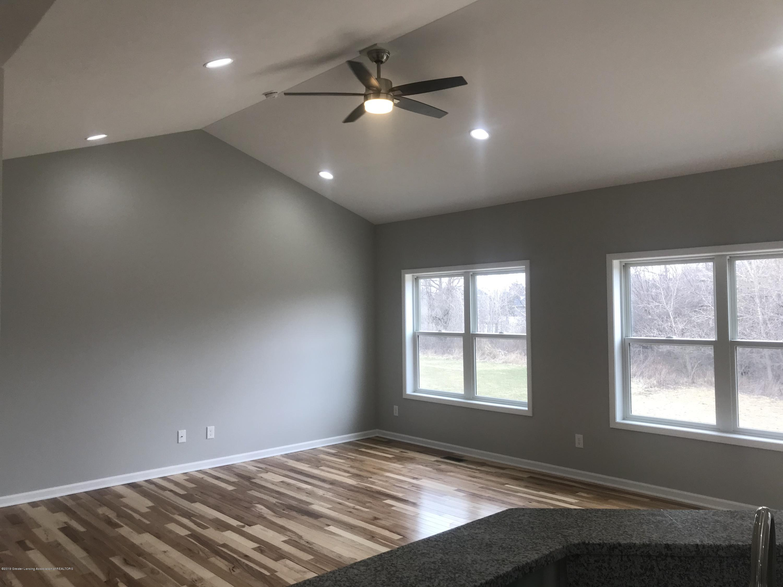 1391 Jackson Dr - Living Room - 10