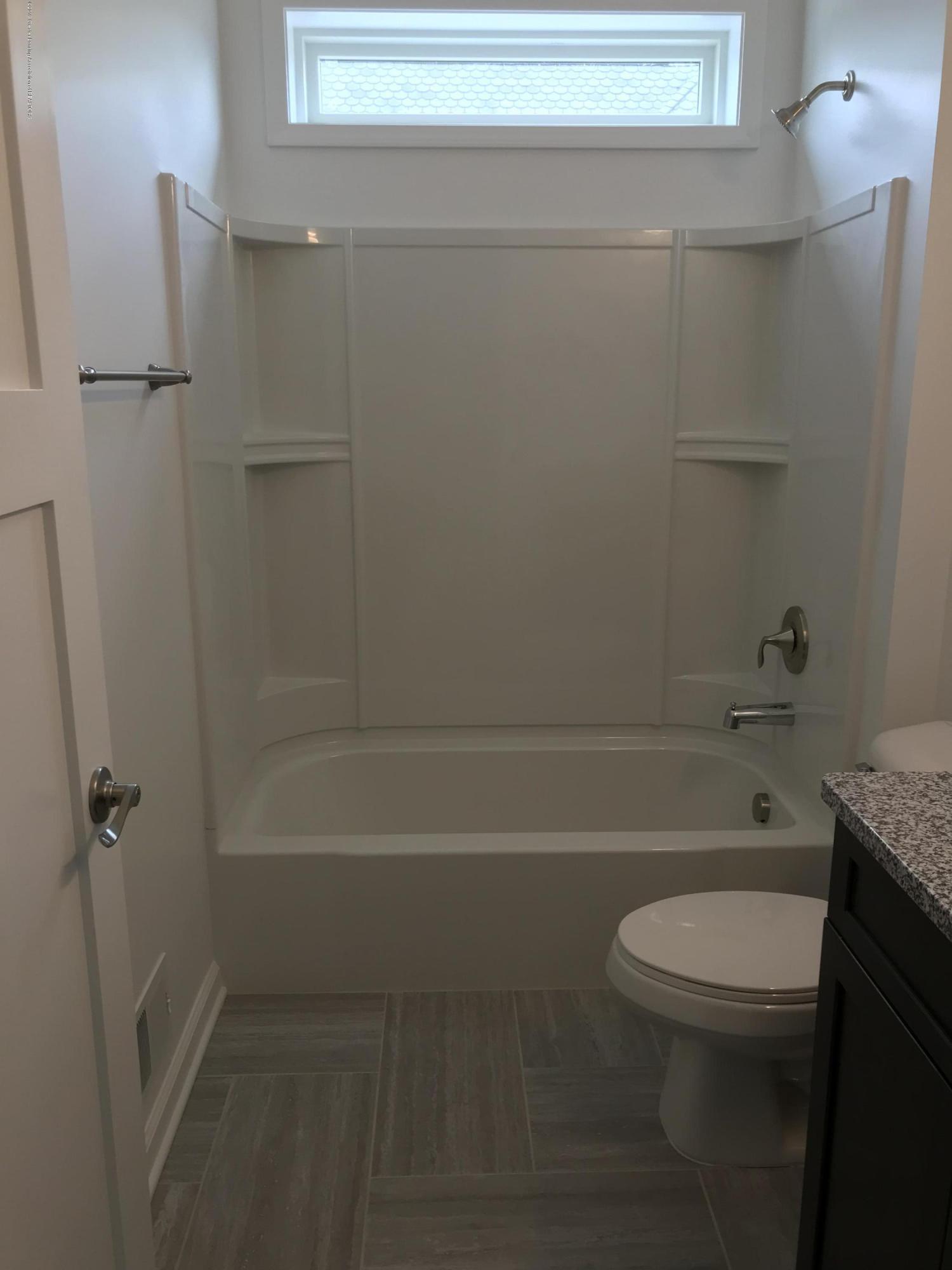 1391 Jackson Dr - Bathroom - 22