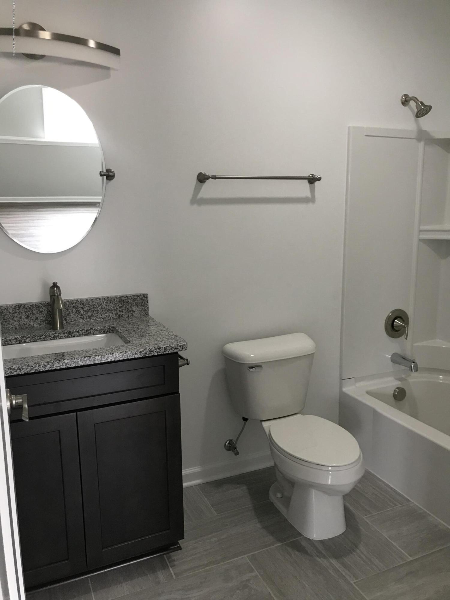 1391 Jackson Dr - Bathroom - 24