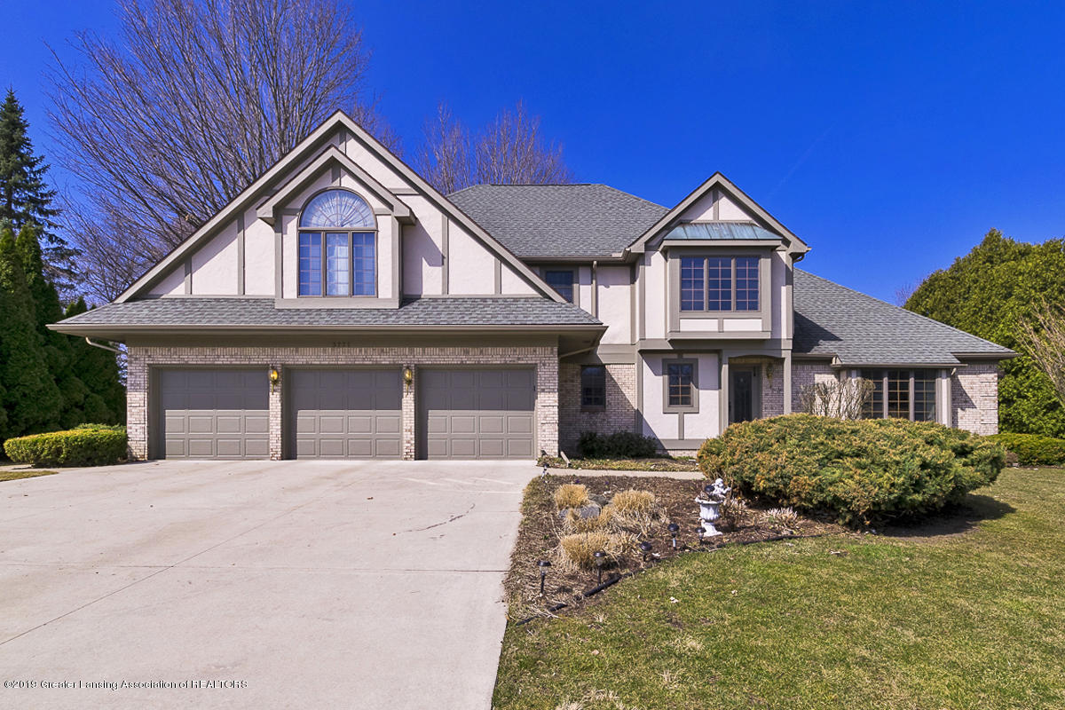 3777 Chippendale Dr - FRONT VIEW - 1