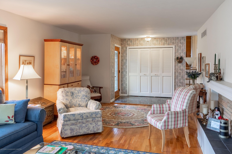 2117 Tomahawk Rd - Living Room - 9