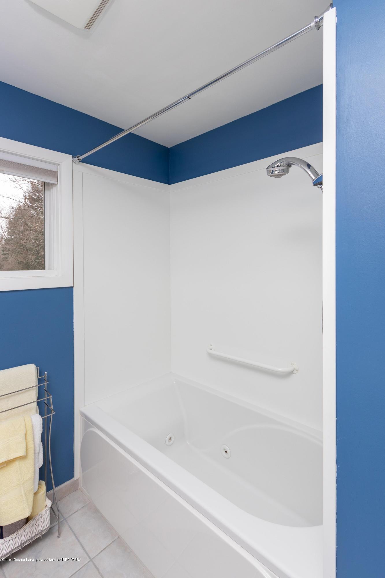 2117 Tomahawk Rd - Full Bath - 29