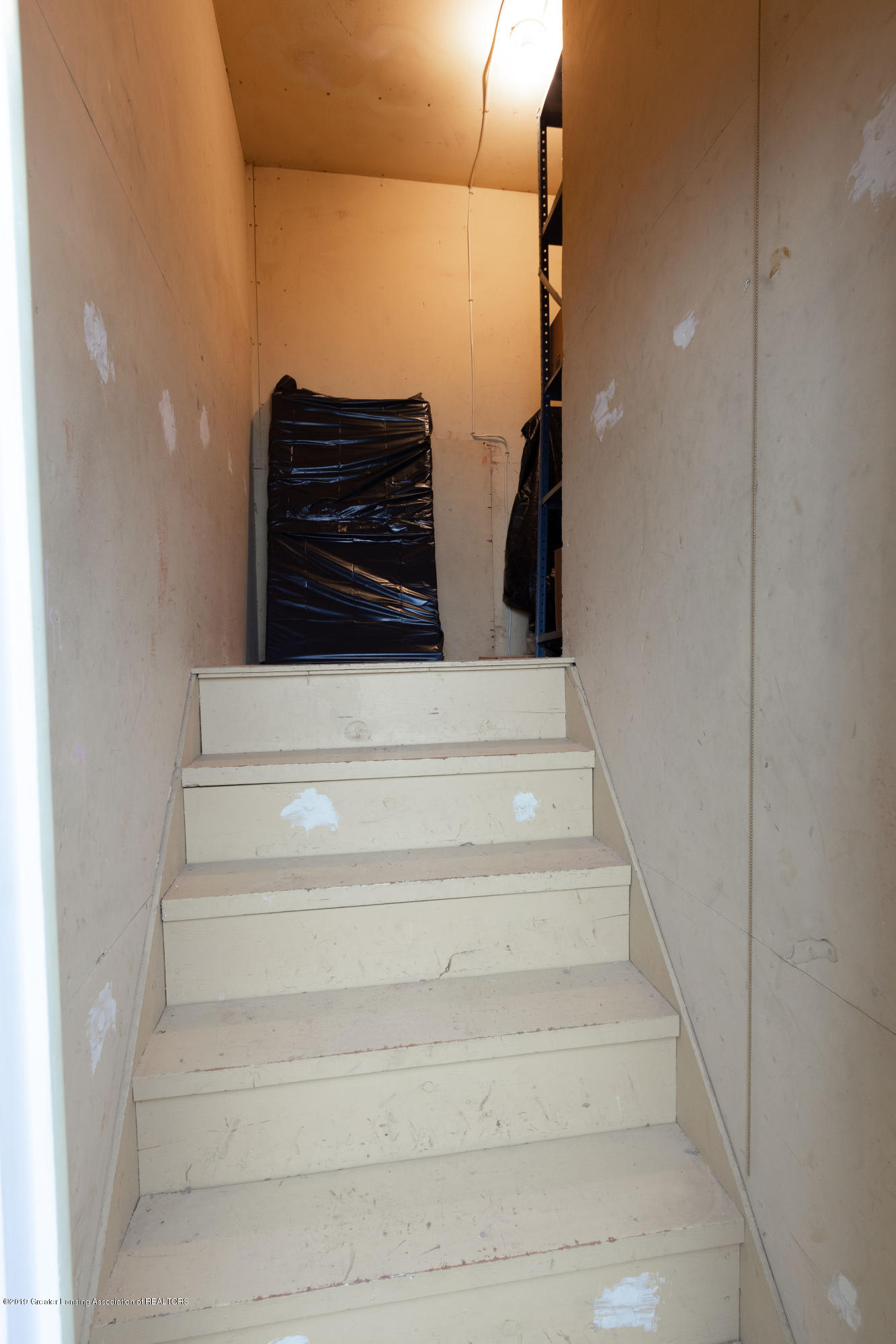 2117 Tomahawk Rd - Stairs to walkable attic - 30
