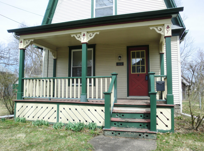 111 E Dwight St - Front Porch - 3
