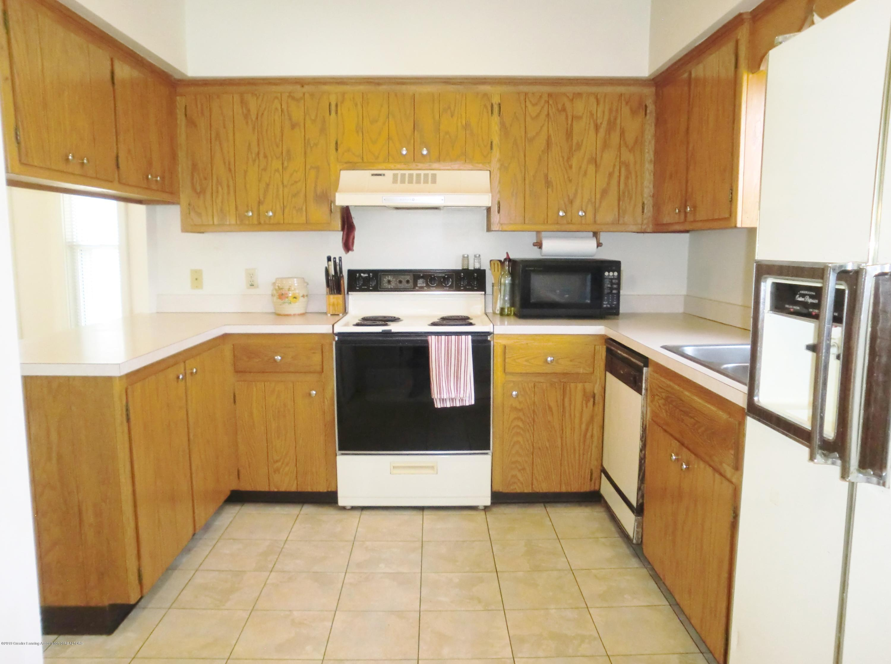 111 E Dwight St - Kitchen - 10