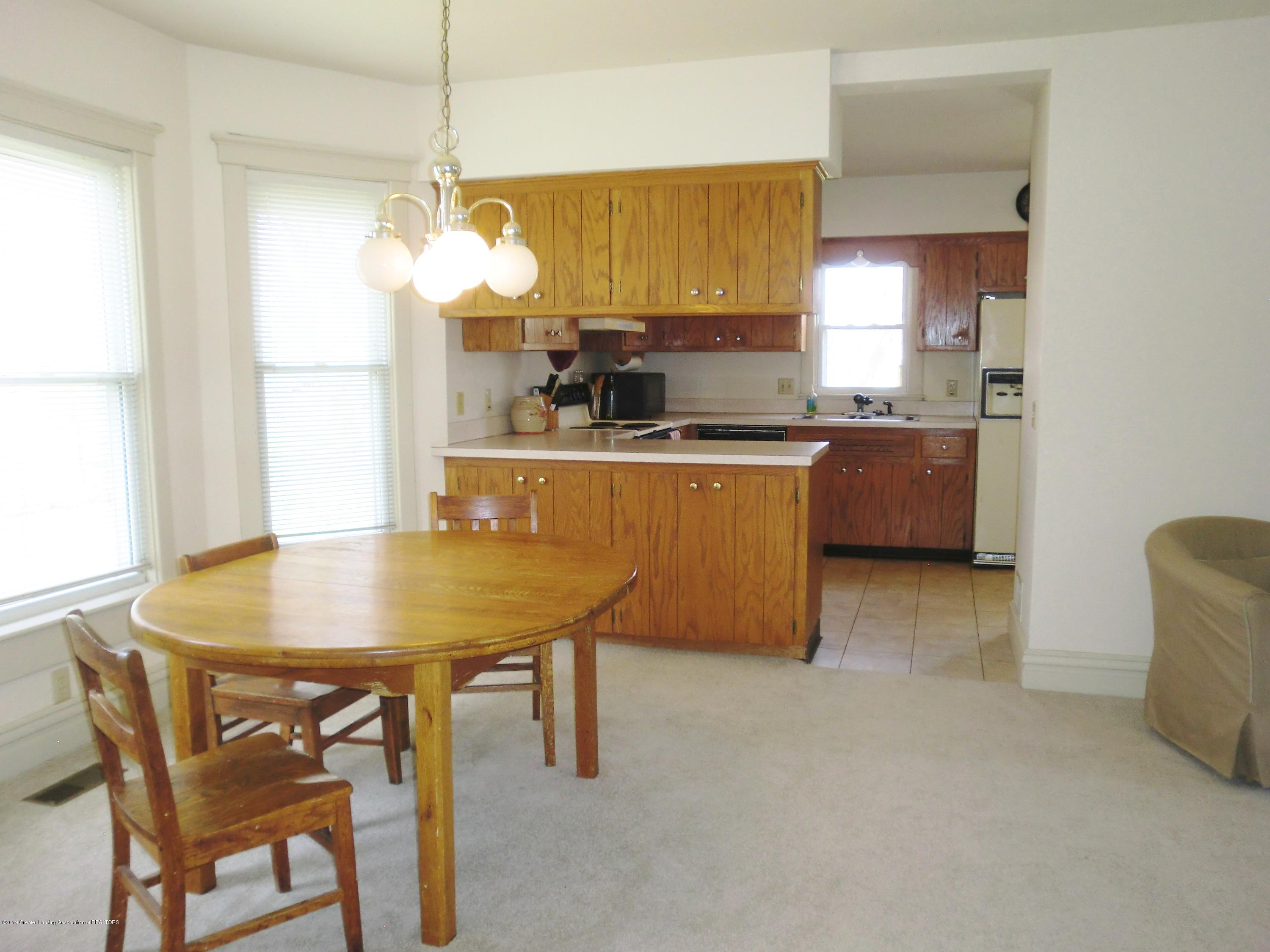 111 E Dwight St - Dining/Kitchen Area - 13