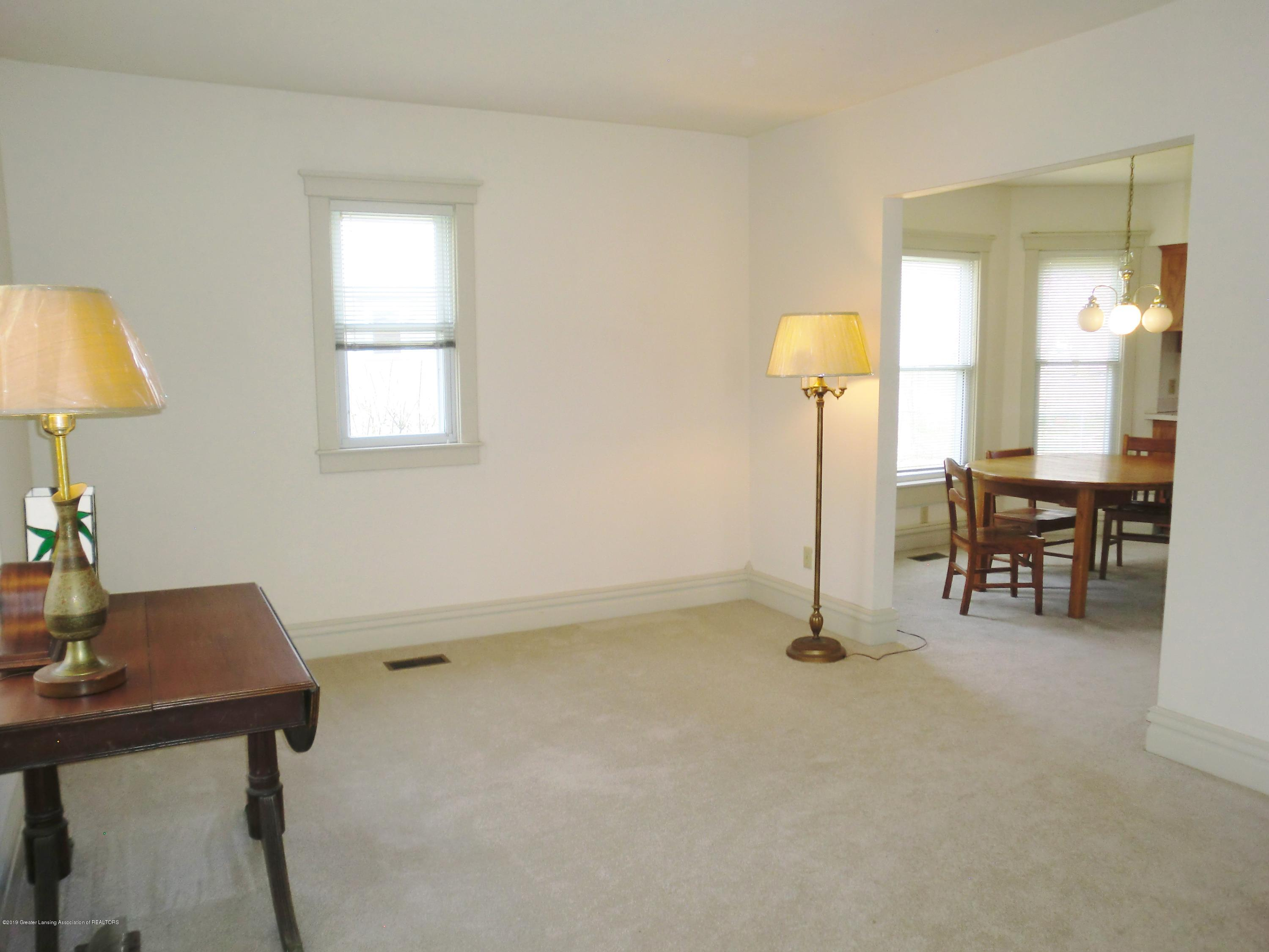 111 E Dwight St - Living Room - 18