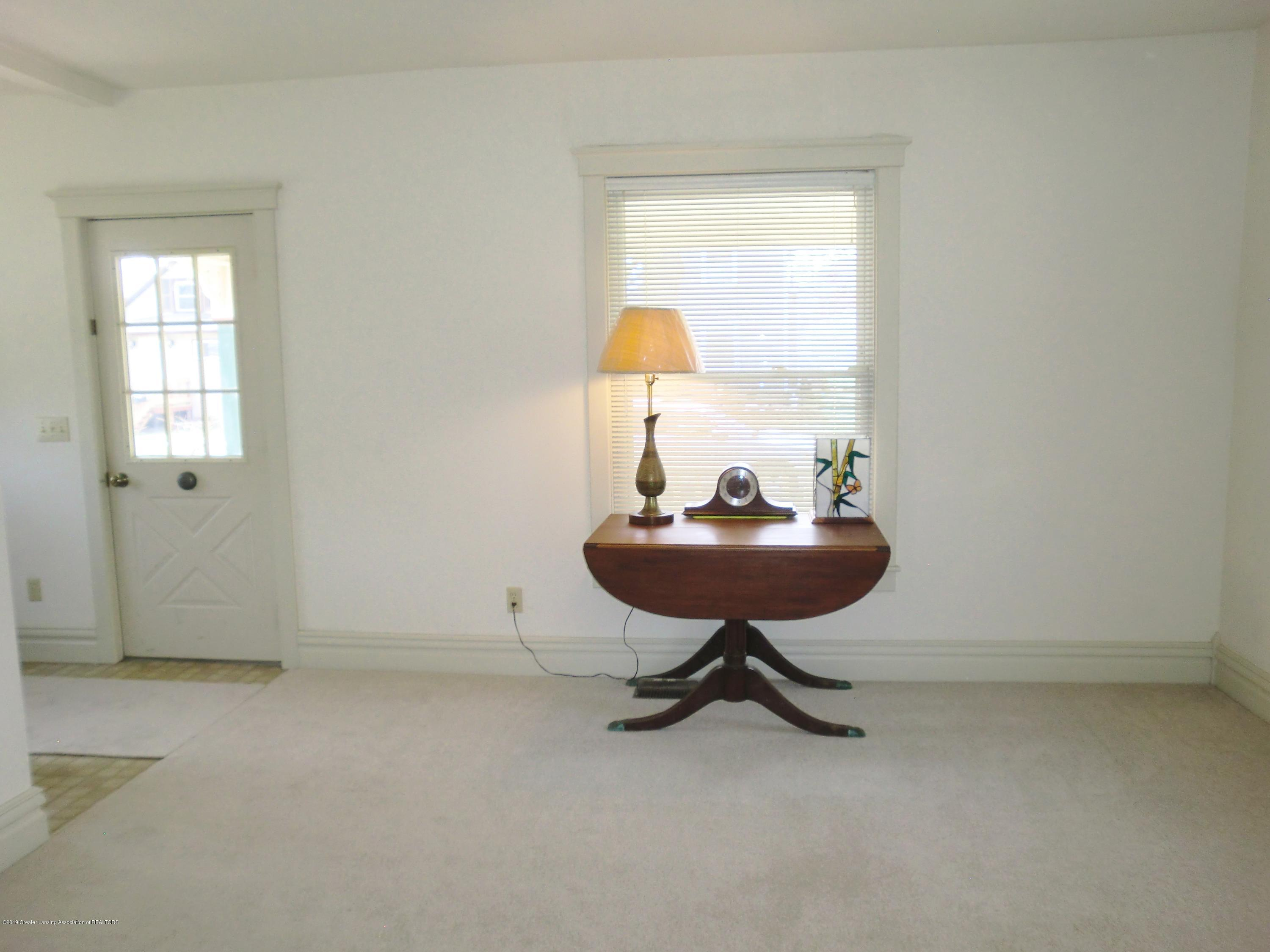 111 E Dwight St - Living Room - 19