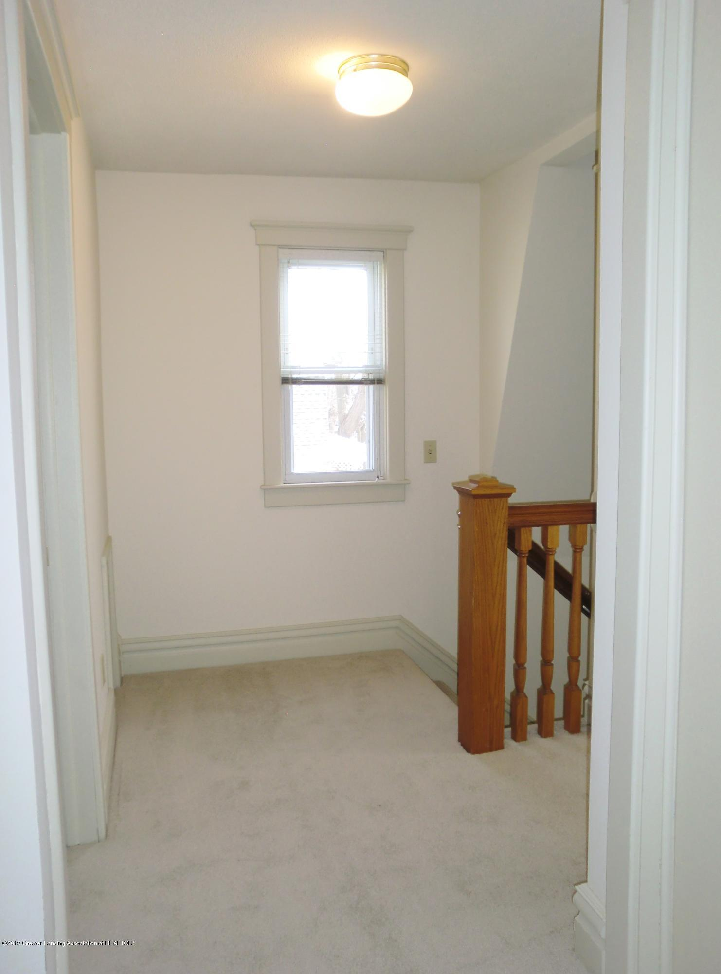 111 E Dwight St - Upstairs Landing - 26