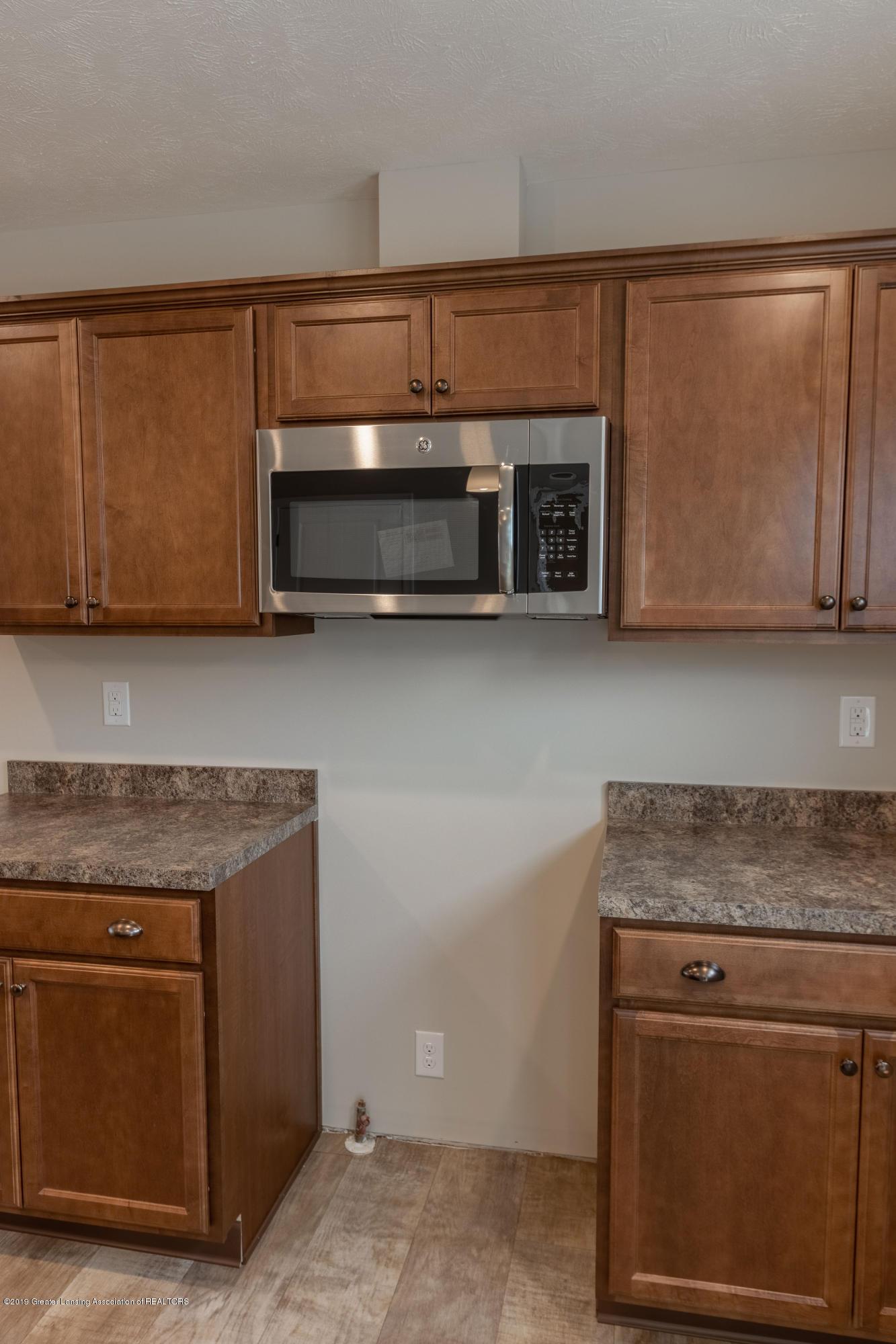 3838 Fossum Ln 14 - Kitchen - 11