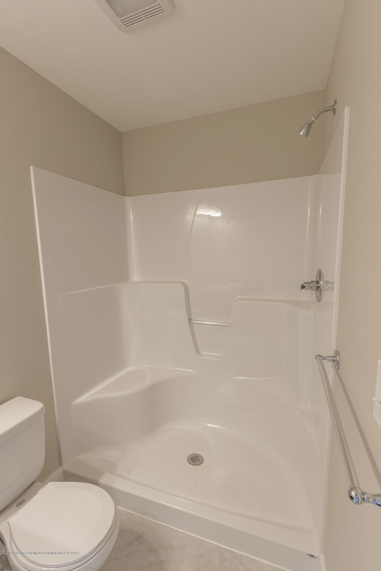 3838 Fossum Ln 14 - Master Bathroom - 17