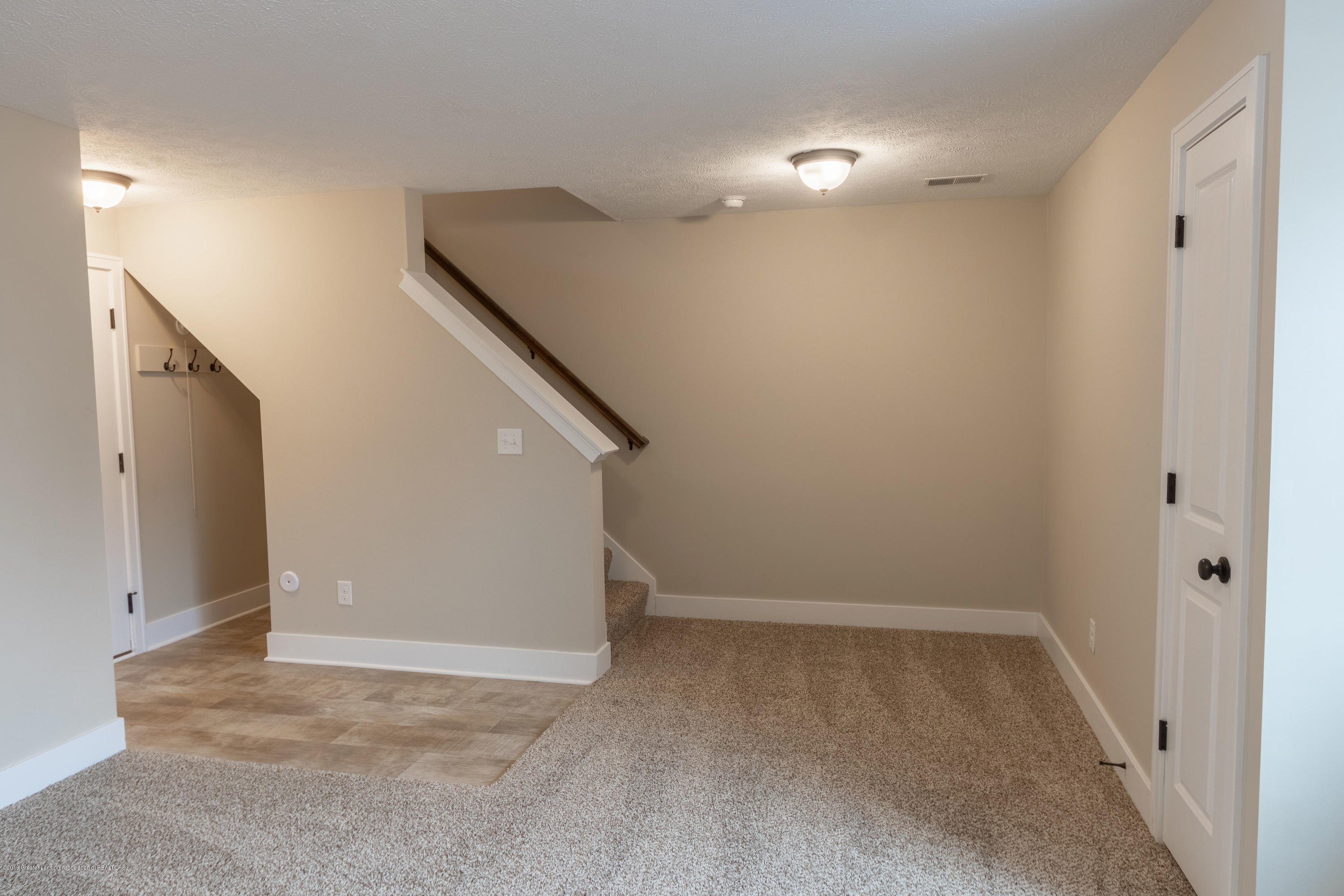 3838 Fossum Ln 14 - Lower Level - 25