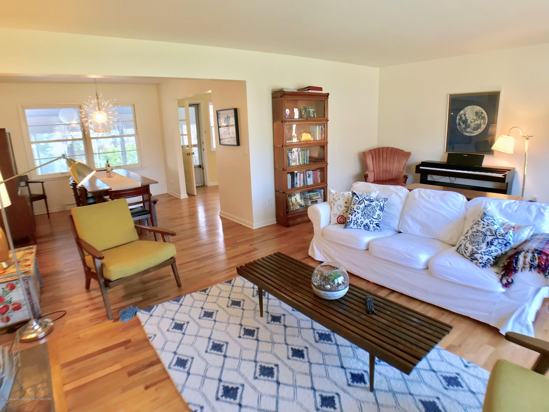 4437 Greenwood Dr - Living Room - 6
