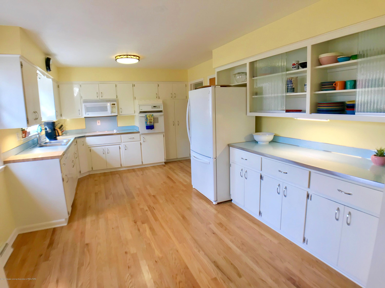 4437 Greenwood Dr - Kitchen - 10