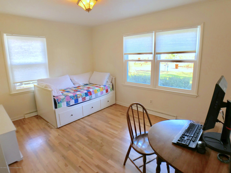4437 Greenwood Dr - Main Floor Bedroom 2 - 18