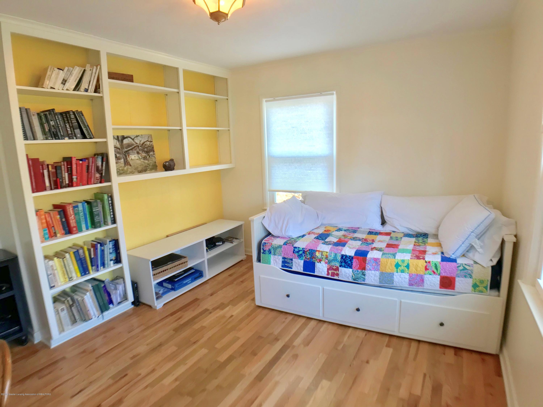 4437 Greenwood Dr - Main Floor Bedroom 2 - 19