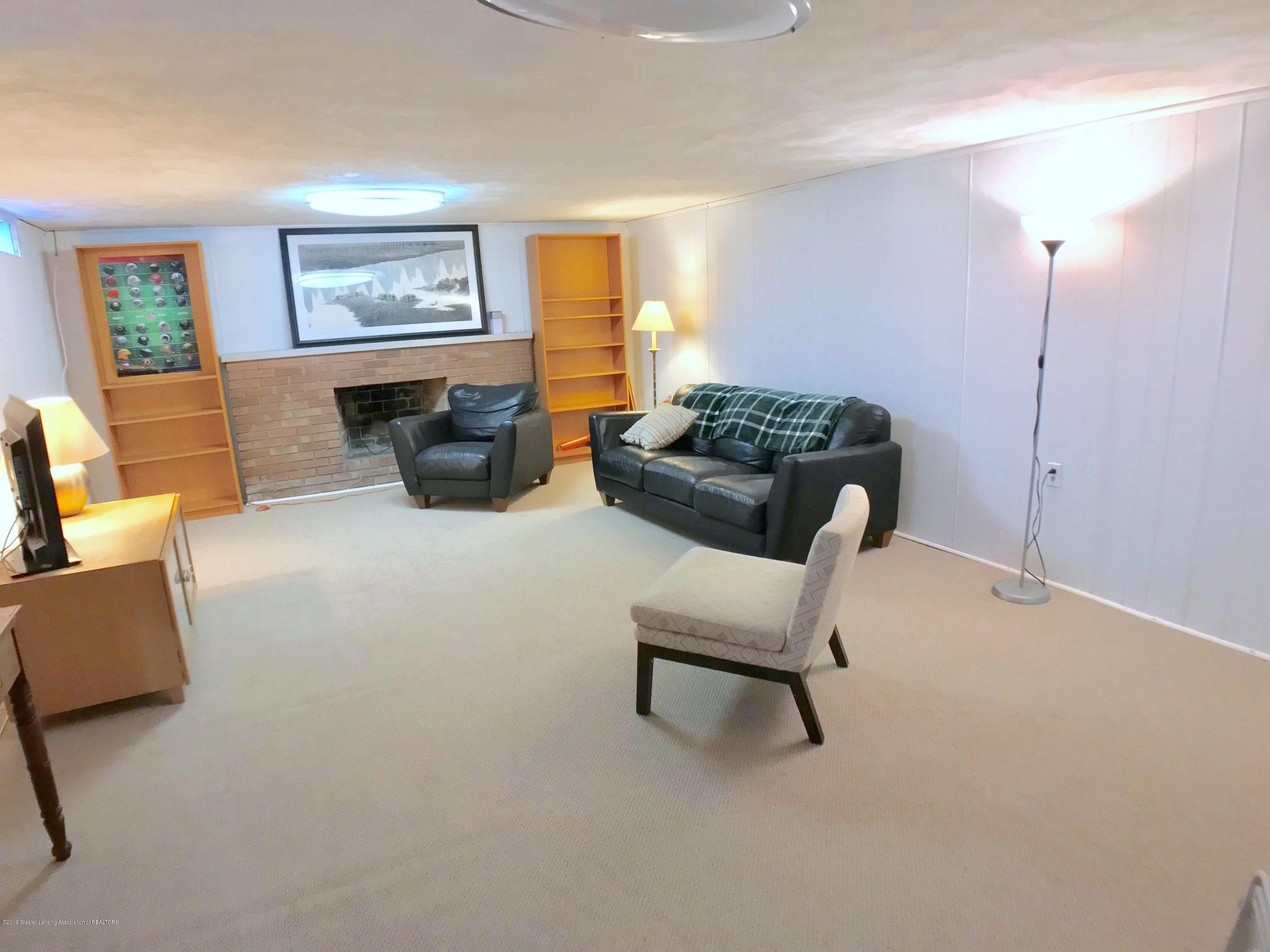 4437 Greenwood Dr - Lower Level Family Room - 29