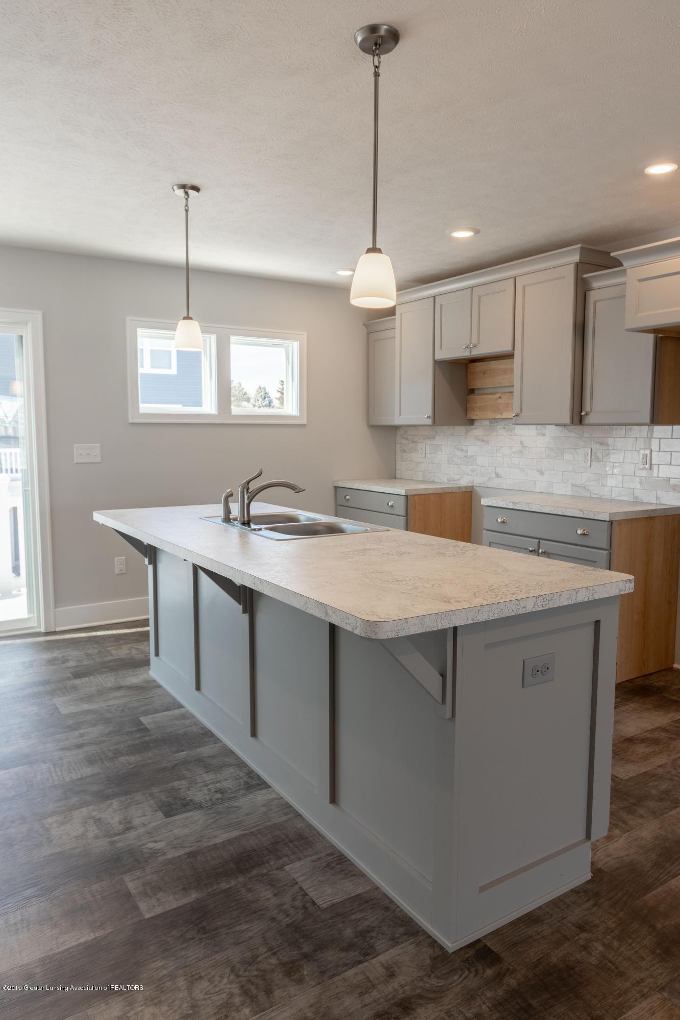 3852 Fossum Ln 11 - Kitchen - 6