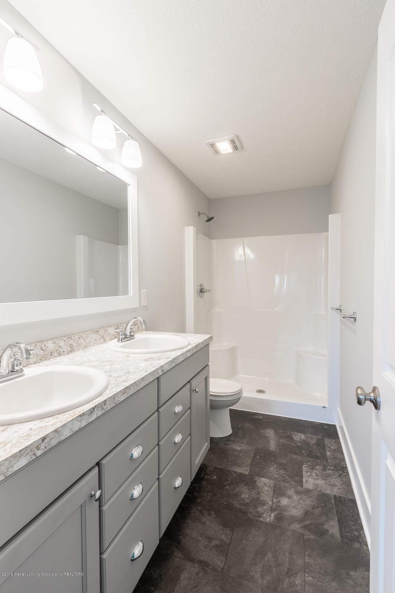 3852 Fossum Ln 11 - Master Suite 1 Bathroom - 17