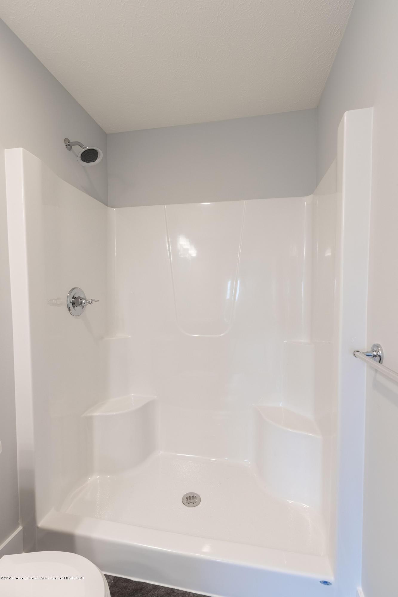 3852 Fossum Ln 11 - Master Suite 1 Bathroom - 18