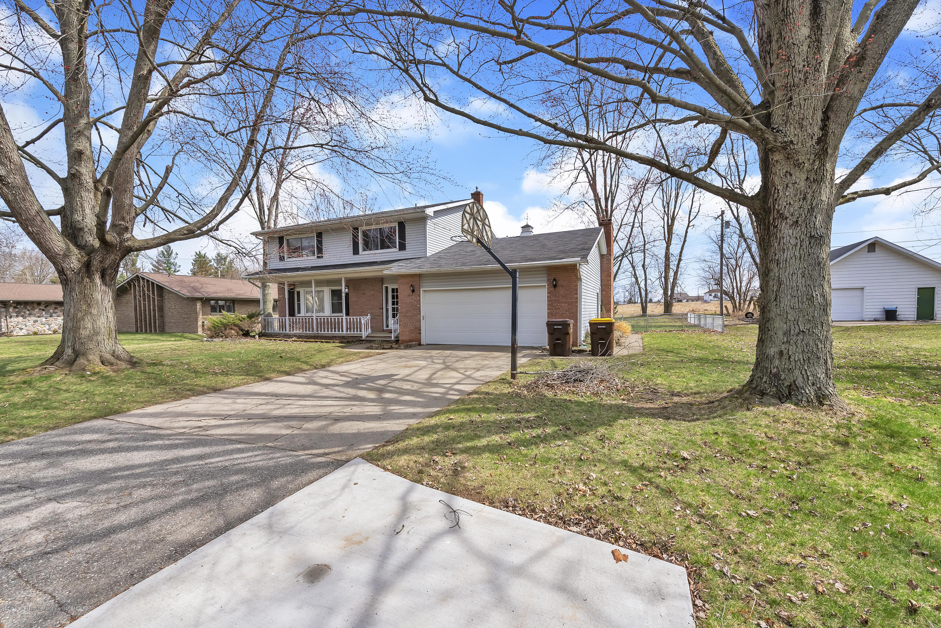 601 Raeburn Rd - 601-Raeburn-Road-Eaton-Rapids-Michigan-w - 4