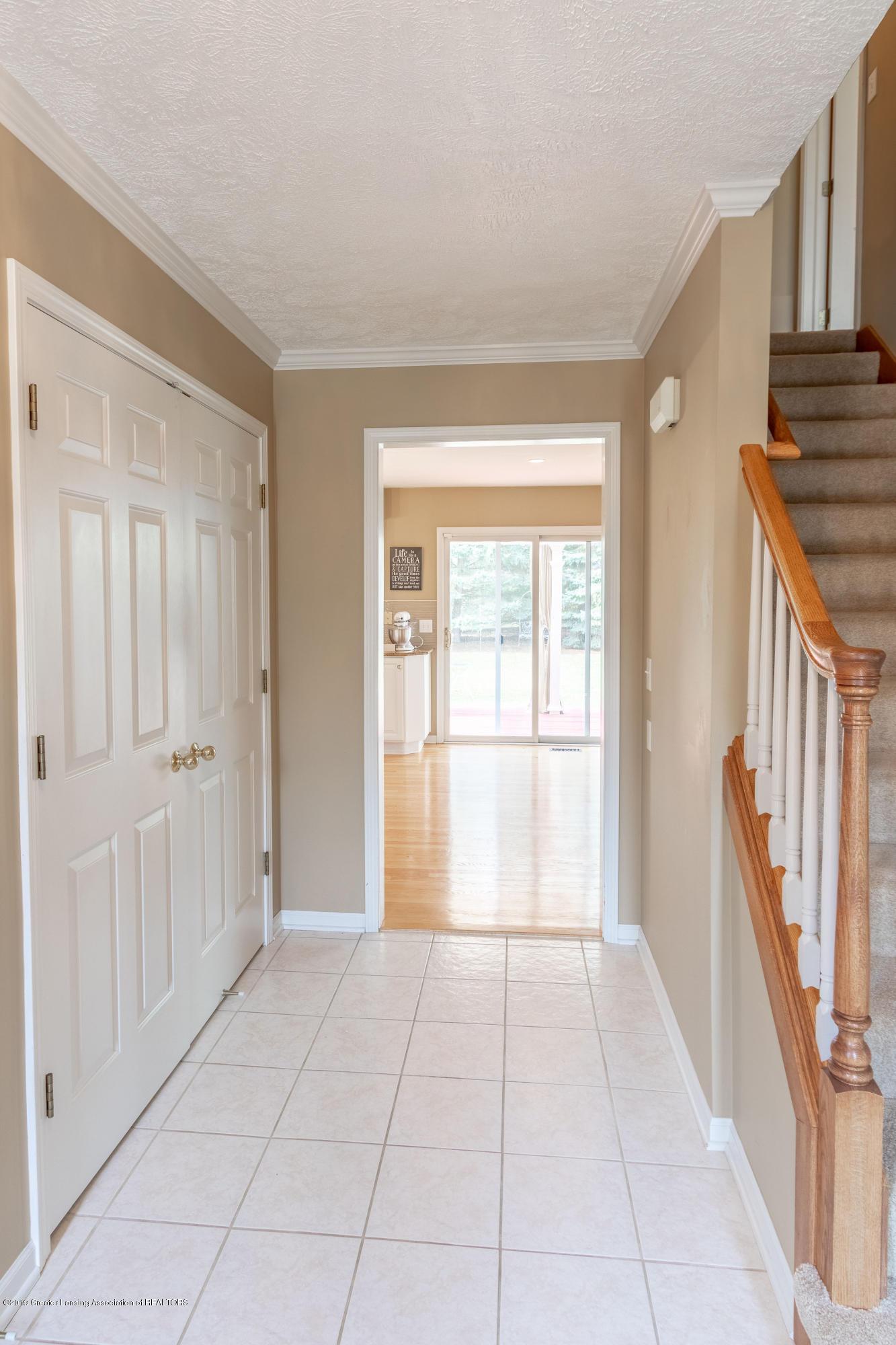 3065 Summergate Ln - Foyer - 9