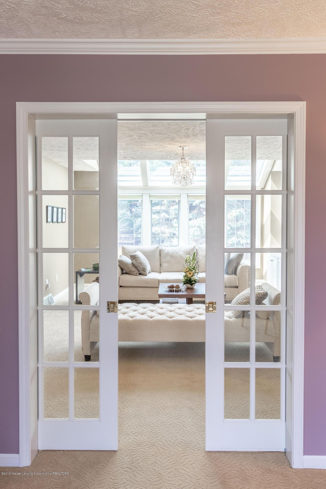3065 Summergate Ln - Living Room - 10