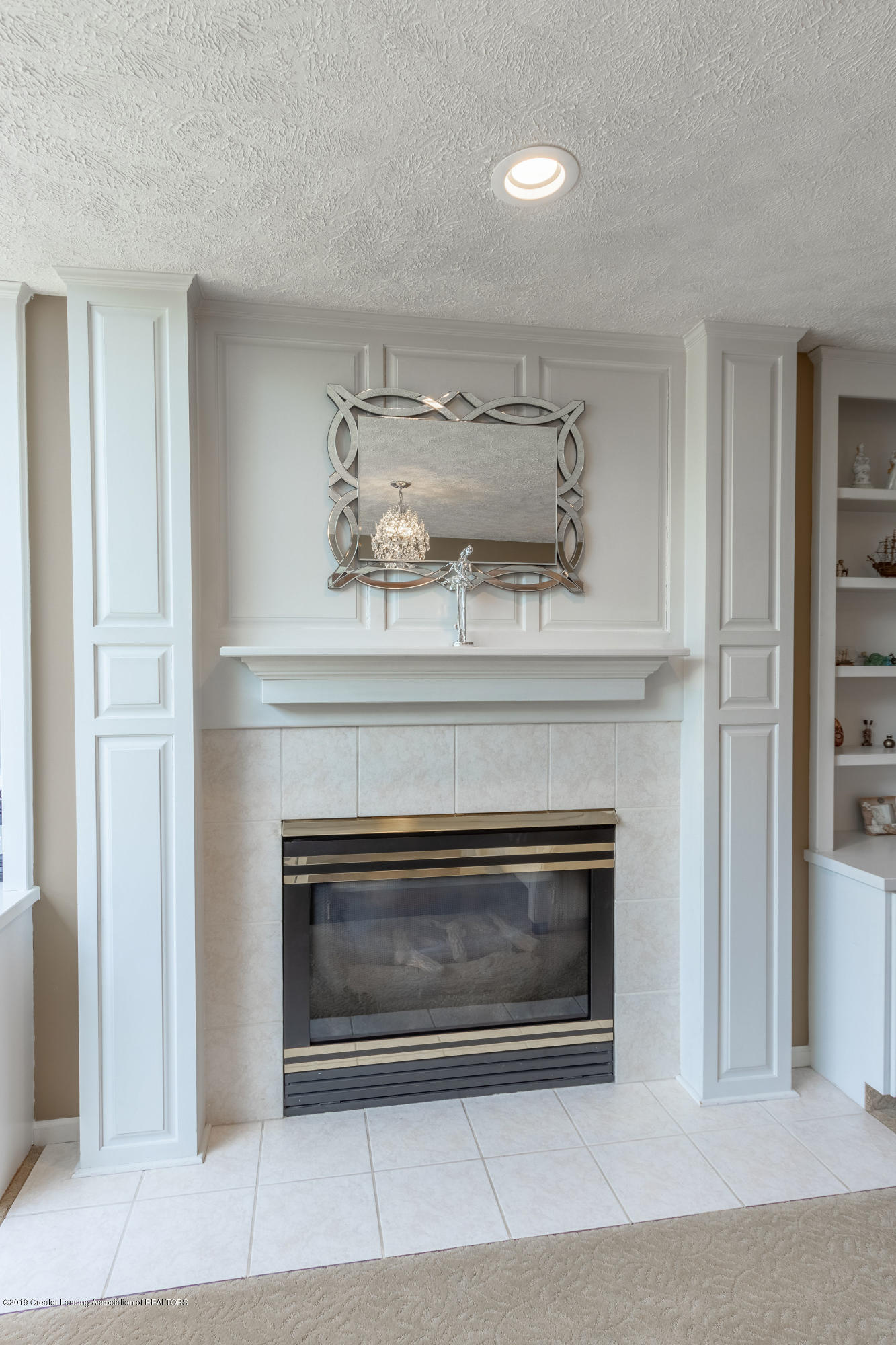 3065 Summergate Ln - Family Room Fireplace - 26