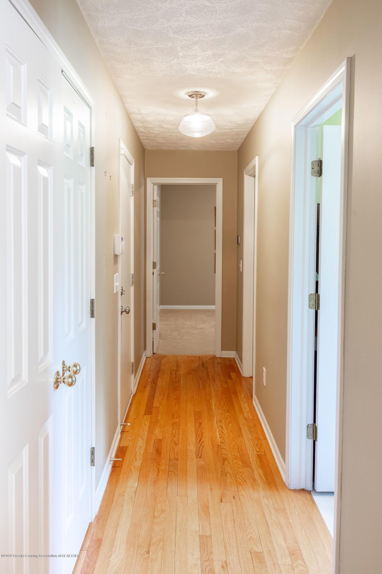 3065 Summergate Ln - Hallway to Office - 27
