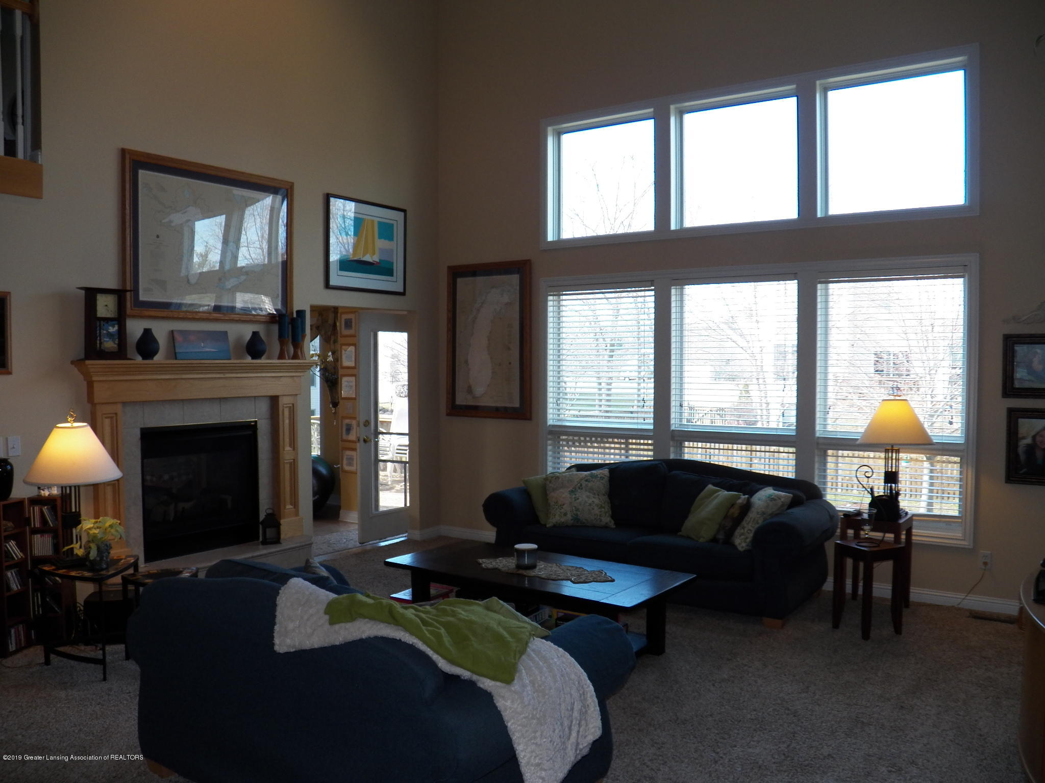 7387 Mallow Ln - living room 2 - 4